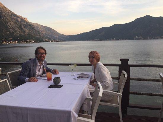Orahovac, Crna Gora: Us x