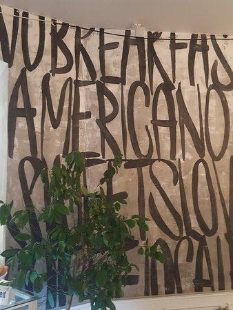 Americano照片