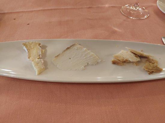 Via Veneto : tres grandes quesos: Cusiè (Piamonte), Castell Llebre (Alt Urgell) y El Teyedu (Cabrales)