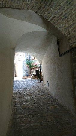 Montone, Italy: DSC_7352_large.jpg