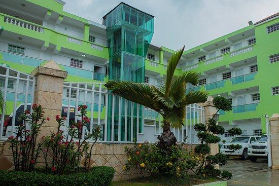 Aparta Hotel Don Olivo: Frente del hotel