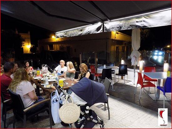 Villamartin, Spagna: Muy relajante la terraza de verano
