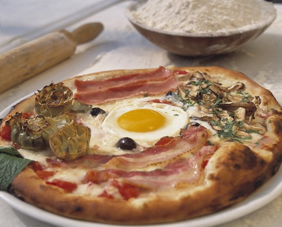 Pizzaria Capricciosa Ipanema: Pizza Capricciosa