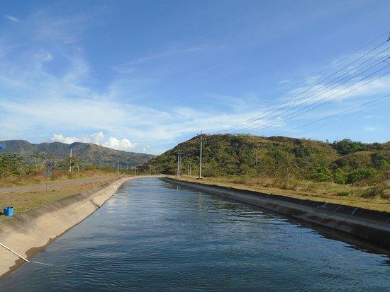 Caldera Hot Springs: River canal