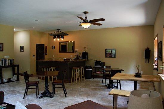 Makanda Inn & Cottages: Bar area - Pre-Liquor License May 2018