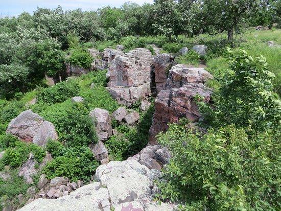 Circle Trail: cliffs