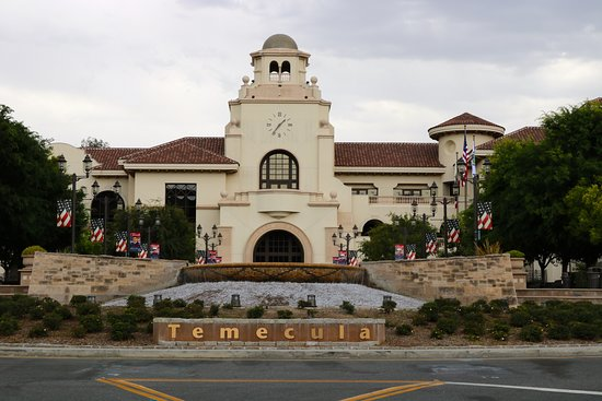 Old Town Temecula: City Hall