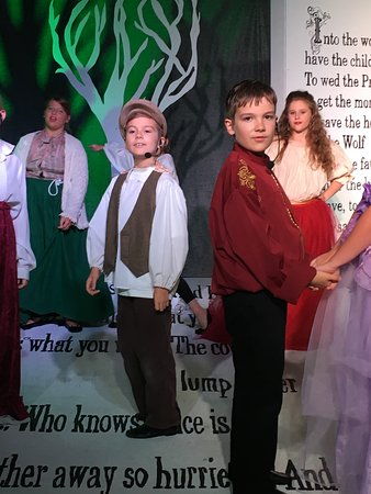 The Spotlight Playhouse: Into the Woods