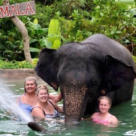 Phuket SRC Travel - Day Tours: Shower with elephants it wonderful day