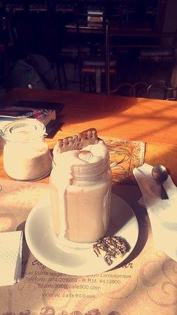 Café 900: Snapchat-324453708_large.jpg