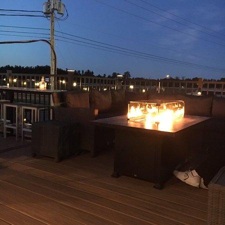 7-20-4 Lounge