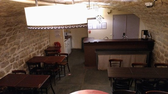 Aloha Hostel: Quaint kitchen; great for starting conversation with strangers over breaskfast