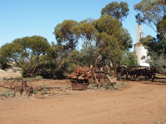 Patchewollock, Australia: right by silos