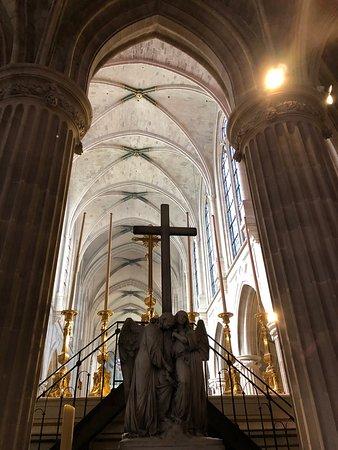 圣热曼洛塞华教堂照片