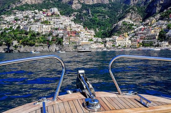 Côte Amalfitaine: journée en bateau...