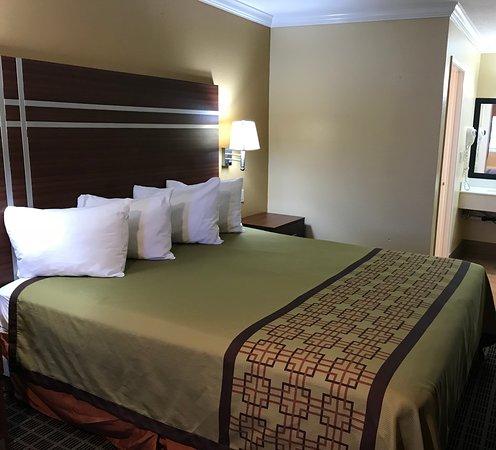 Americas Best Value Inn-Azusa/Pasadena : Room