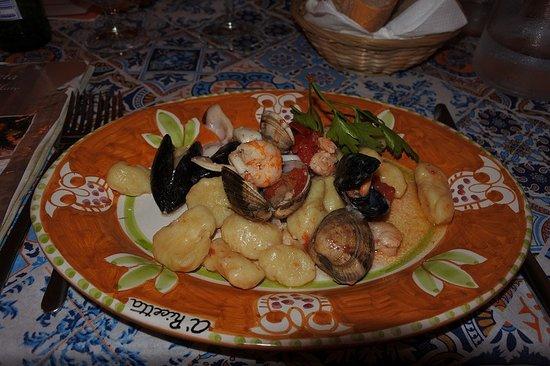 A Ricetta: こちらも番組で紹介された魚介のニョッキ やわらかいけどモチモチしているニョッキに魚介のスープが染みていて最高に美味しかった^^