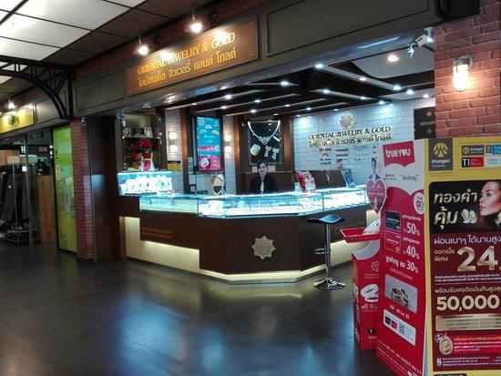 Oriental Jewelry & Gold - Suan Plern Market