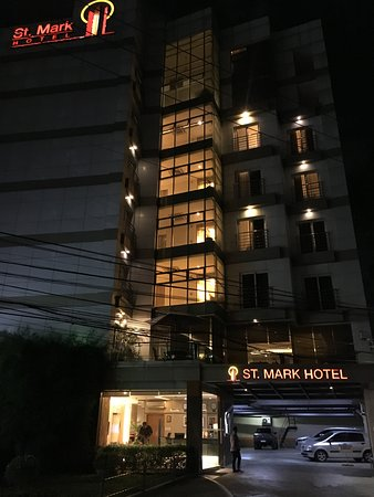 St. Mark Hotel: Street frontage at night