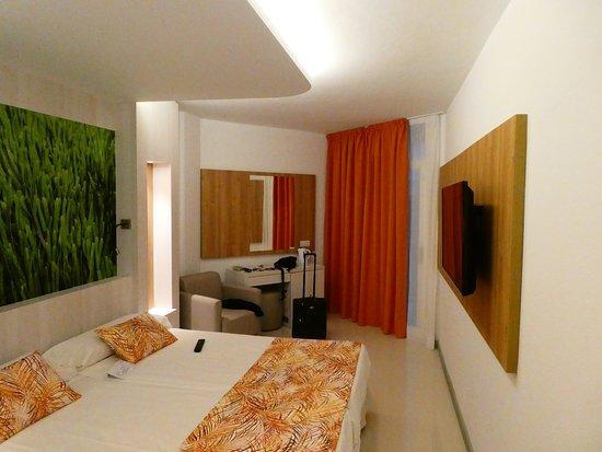 Sirenis Cala Llonga Resort: Doppel Zimmer renoviert