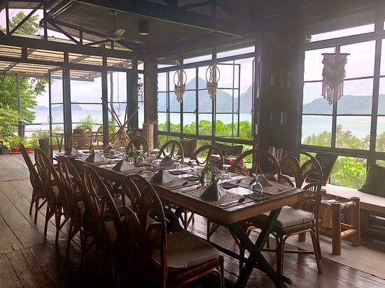 The Nesting Table: The beautifully-designed, intimate dining space and the gorgeous view of the bay as backdrop.