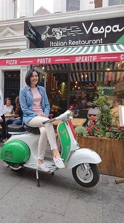 Great Little Restaurant Picture Of Vespa Italian Restaurant London Tripadvisor