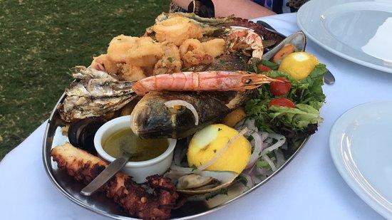 Kyano Beach Restaurant: Seafood platter