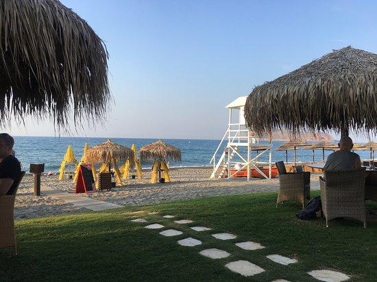 Kyano Beach Restaurant: Location