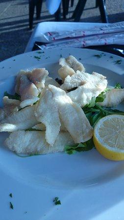 Corgeno, Italie : persico fritto