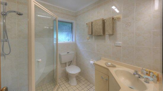 Daydreamer Apartments: Daydreamer 2 Bedroom - Bathroom
