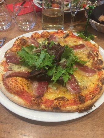 Phalsbourg, França: Pizza 'duck' : Le Sud Ouest dans le Grand Est !