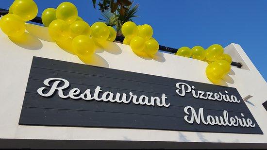 La Mano Negra Restaurant: #TDF2048 devanture