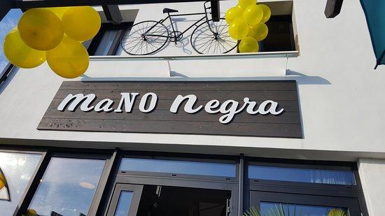 La Mano Negra Restaurant: #tourdefrance2018 devanture