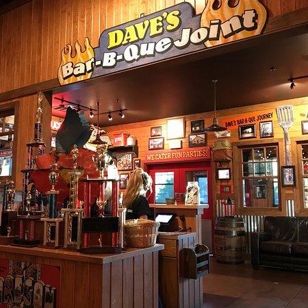 Famous Dave's Bar-B-Que Foto