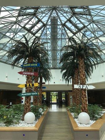 Hotel Novotel Convention & Wellness Roissy Cdg: Hall