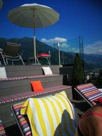 alpina zillertal - family . lifestyle . kinderhotel: Liegen im Dachbereich