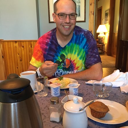 Walkerton, Canada: Relaxing sleep and amazing breakfast!  Thank you so much!!