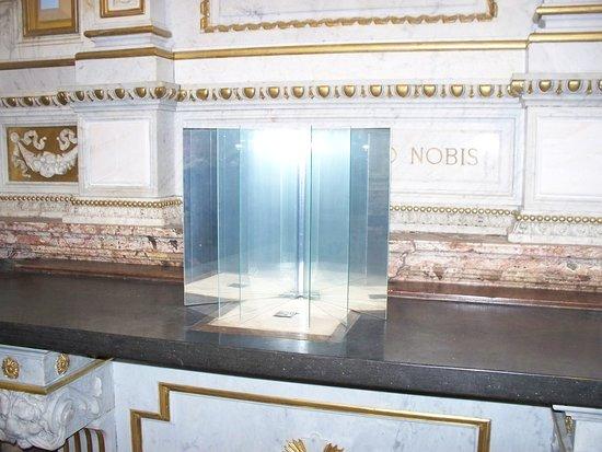 Museo San Fedele: libro di cristallo