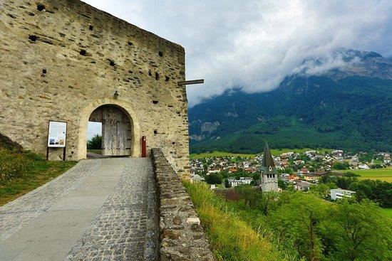 Balzers, Liechtenstein: Quiet Castle