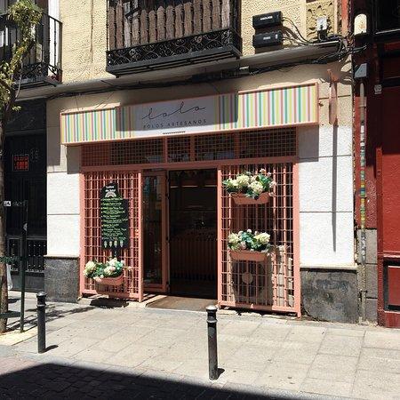 Lolo polos artesanos madrid calle del le n 30 huertas - Artesanos de madrid ...