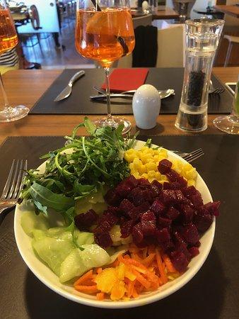 Wals, Austria: Salat vom Buffet