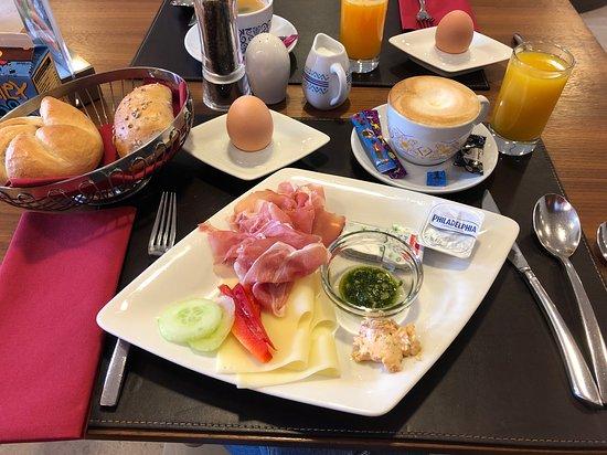 Wals, Austria: Frühstück vom Buffet