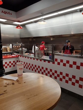 Five Guys: 20180708_020413_large.jpg