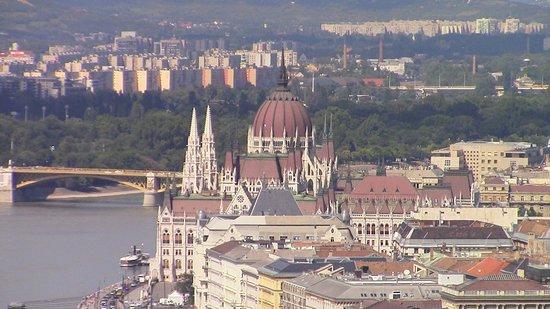 Danube River: bellissime vedute del fiume dalla cittadella