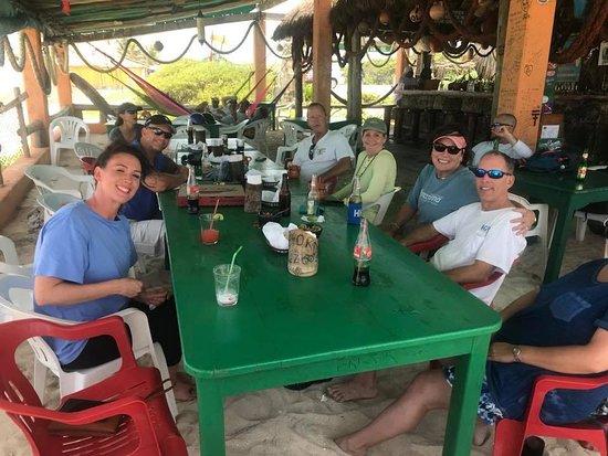 Mezcalitos Restaurant & Beach Bar Cozumel: Pre lunch cocktails