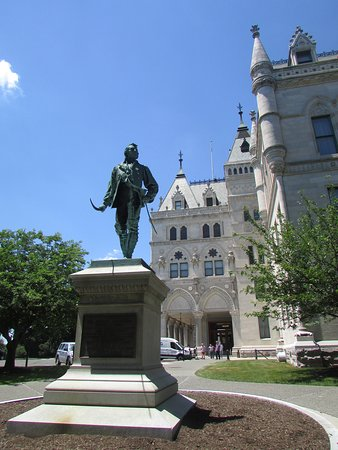 ‪Connecticut State Capitol‬