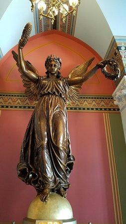 Connecticut State Capitol: The Genius of Connecticut