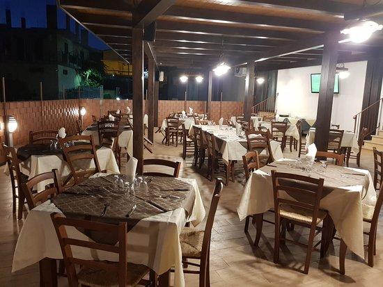 Mazzarino, Italy: Ristorante pizzeria fiorentino