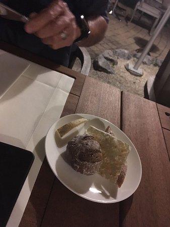 Bubendorf, Schweiz: Hausgemachtes Brot