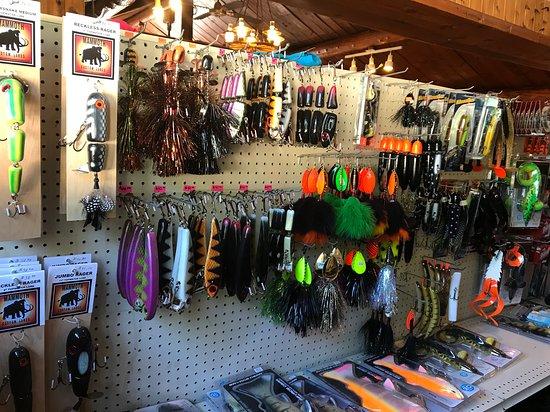 Temple Bay Lodge: tackle shop